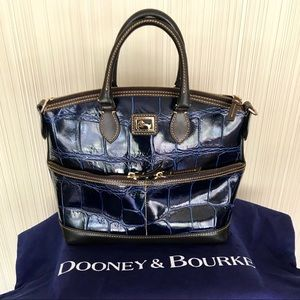 DOONEY AND BOURKE BLUE REPTILE SHOULDER VINTAGE